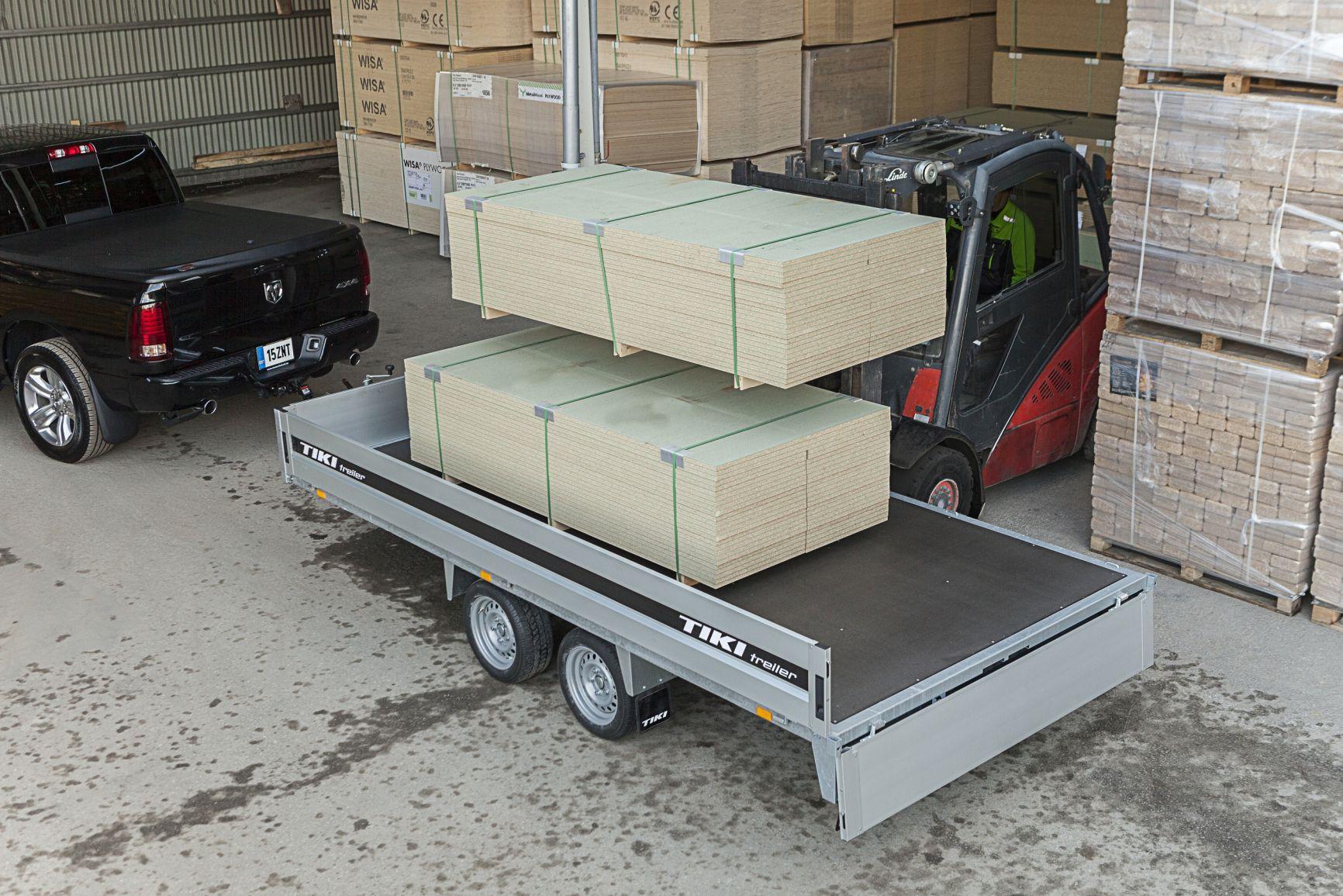 CP400-DRB/DROP/3500kg [Attēli ir informatīvi un piekabes komplektācijā var būt iekļauts papildu aprīkojums]